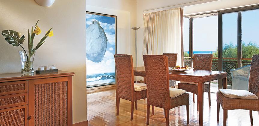 02-rhodos-royal-luxury-bungalow-suite
