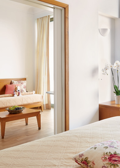premier-family-room-garden-view-luxme-dama-dama