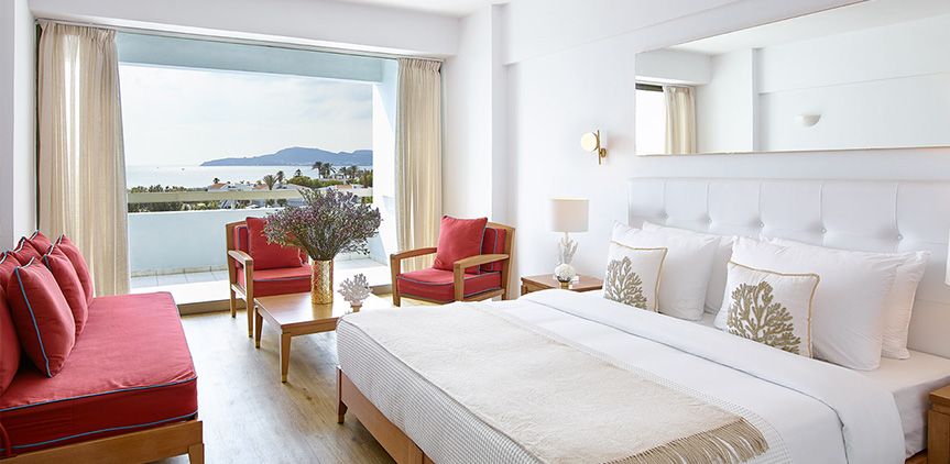 02-rhodos-royal-luxury-side-sea-view-room
