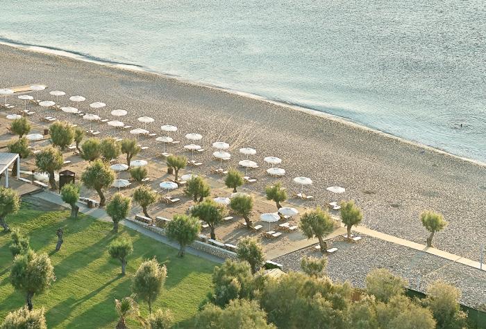 01-lux-me-dama-dama-beautiful-sandy-beach