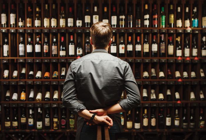 lux-me-dama-dama-wine-library
